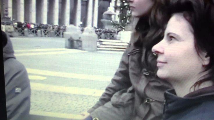Auf dem Petersplatz in Rom-Weihnachten 2008- Papst Benedikt spricht