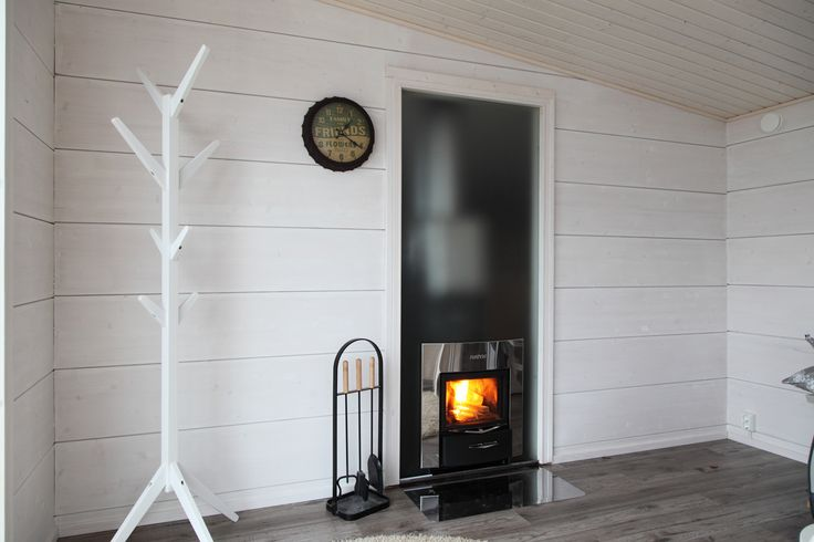 The new Harvia Duo glass wall element is simply a brilliant innovation. The glass wall is designed for use with Harvia Duo stoves and it is not only a decorative element, but a way to share light and heat between sauna and living area. Glass transfers heat into living area more and much faster than masonry. #harvia #harviaduo #duostoves #duoglasswall #naturallight #lightinterior #decor #glasselement #naturalelements #saunadesign