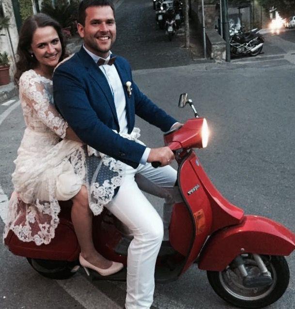 bride and groom on the vespa, red vespa,  Wedding Day, peach, green and white colors, Hotel Bonadies, ravello, Olga Studio, Sposa Mediterranea, Federica Wedding Planner
