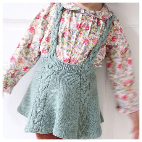 Enkelt nok snurreskjørt! / Easy enough twirly skirt! (norwegian and english)