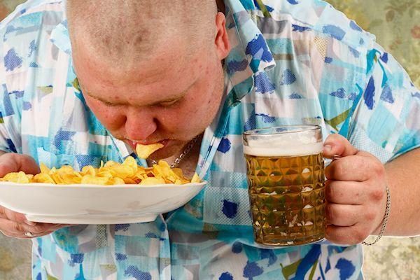 """""""Zonder bier en chips hoeft het voor mij niet meer"""", zegt Rob Vlommers uit Uden. Als vaste klant van de Voedselbank Uden is hij niet te spreken over de nieuwe inhoud van de voedselpakketten. Klanten van de voedselbank eten ongezonde voeding. Ze eten te weinig groente en fruit, maar juist te veel vette producten. Dat blijkt uit een onderzoek van [...]"""