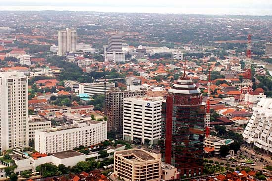 Surabaya kota Metropolitan, bersih dan Hijau #pinyourcity Contest: I Love Surabaya