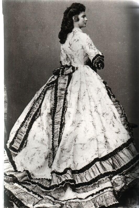 Elisabeth Kaiserin von Österreich, Königin von UngarnSissi, 1866