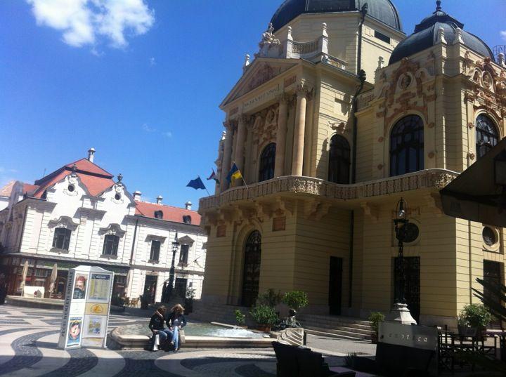 Upea teatteri keskellä kaupunkia: József Vinczen työpaikka