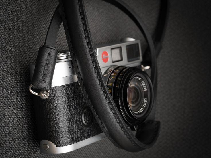 The Deadcameras Mini strap & Leica M6
