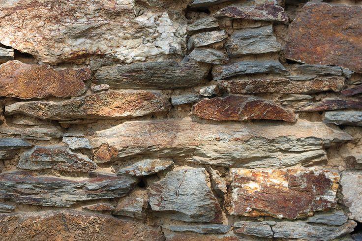 murs de pierres ou enduit route goudronne bois patin photos utiliser gratuitement pour vos blogs ou travaux textures 01 murielgoudol sur