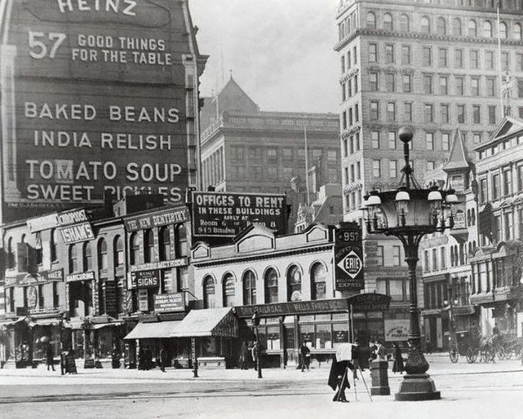 Before The Flatiron Building The Intersection of 23rd Street Where 5th Avenue and Broadway Meet – 1900
