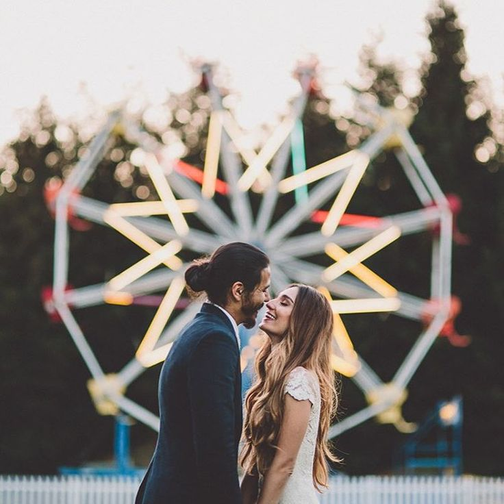 """A ferris wheel at your #wedding is ALWAYS a good idea  More from this fun wedding #onGWS {direct link in profile} Thx to  photos: @ginaryanphoto //…"""
