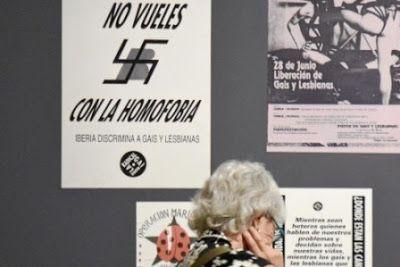 «No vueles con la homofobia. Iberia discrimina a gais». Una exposición del Ayuntamiento incluye un cartel contra la empresa española, a pesar de que es la aerolínea oficial del World Pride. Pablo Gómez | La Razón, 2017-05-28 http://www.larazon.es/local/madrid/no-vueles-con-la-homofobia-iberia-discrimina-a-gais-OD15255139