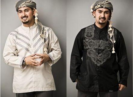 Motif dan aksen yang ditampilkan pada baju koko modern menambah kesan menarik pada baju koko kali ini.