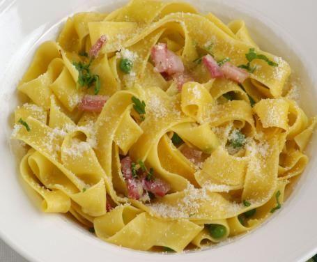 Un piatto molto semplice che diventa raffinato grazie alla crema di piselli.