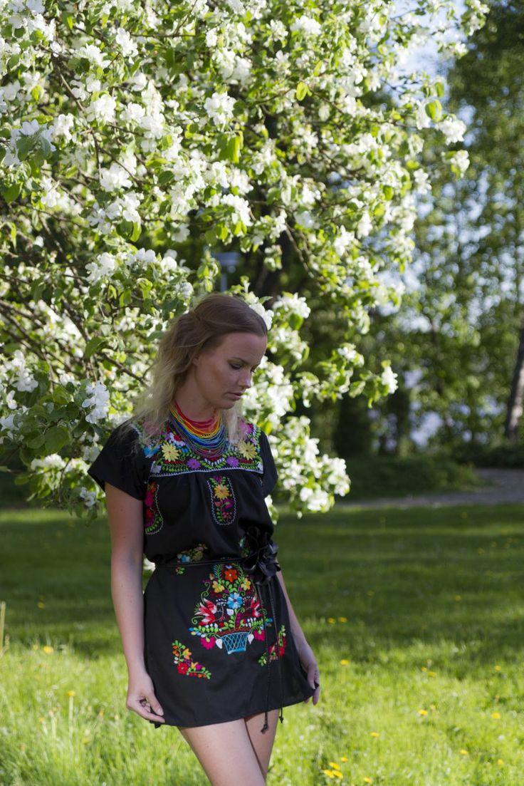 Photography: Yordi Lara-Ochoa Clothes: Casa de Emilio