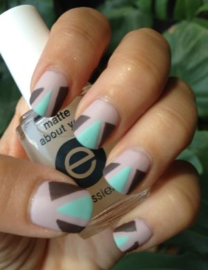 geometric nails DIY, Matte nail polish, I think I like it!
