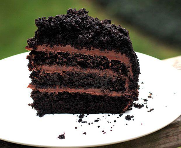 Blackout Cake Recipe - RecipeChart.com #Chocolate #Dessert #Foodgasm
