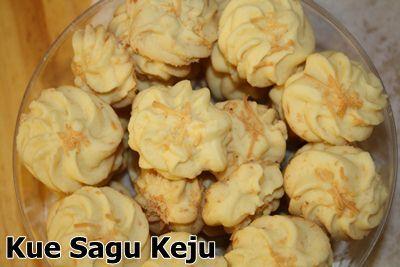Resep Kue Sagu Keju - Cara membuat kue kering sagu keju yang mudah dan praktis.