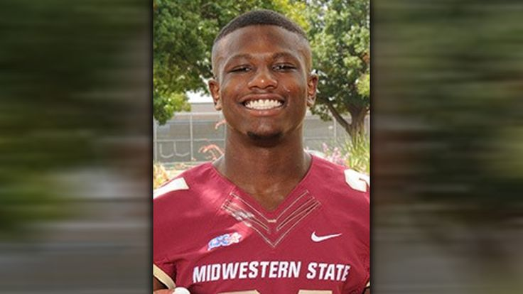 #College #football player #dies from injury while making tackle...