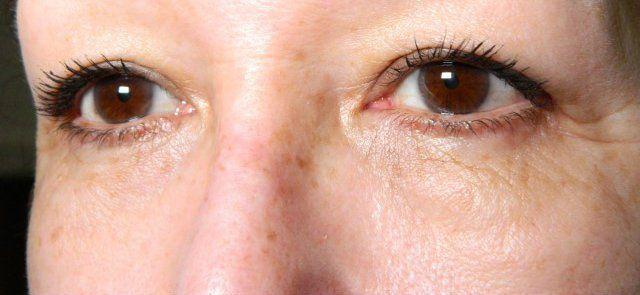 Een wimper masker en mascara in één. Wat gaat er boven je wimpers goed verzorgen en er tegelijkertijd prachtig uit zien? Niets! Babs probeerde de Utsukusy Eye Lash Mask mascara en schreef er een blog over. Je leest het hier: http://www.beautybybabs.com/utsukusy-eye-lash-mask-review/