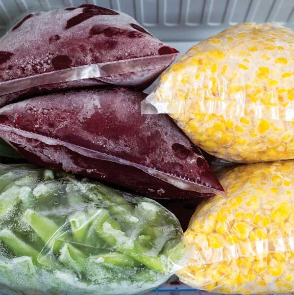 Round out your food preservation regimen! Use these great tips for freezing vegetables to turn your garden harvests into delicious, off-season meals. From MOTHER EARTH NEWS magazine.
