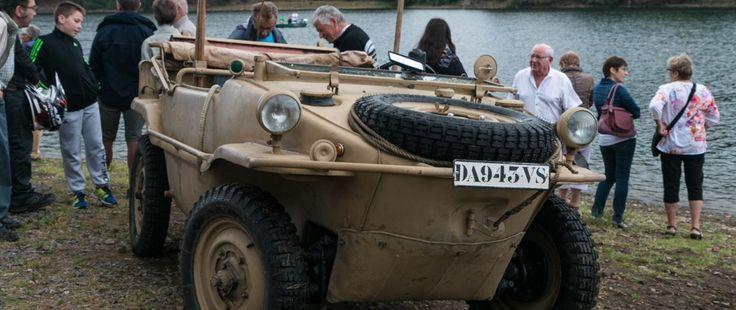 La vieille voiture amphibie de Volkswagen