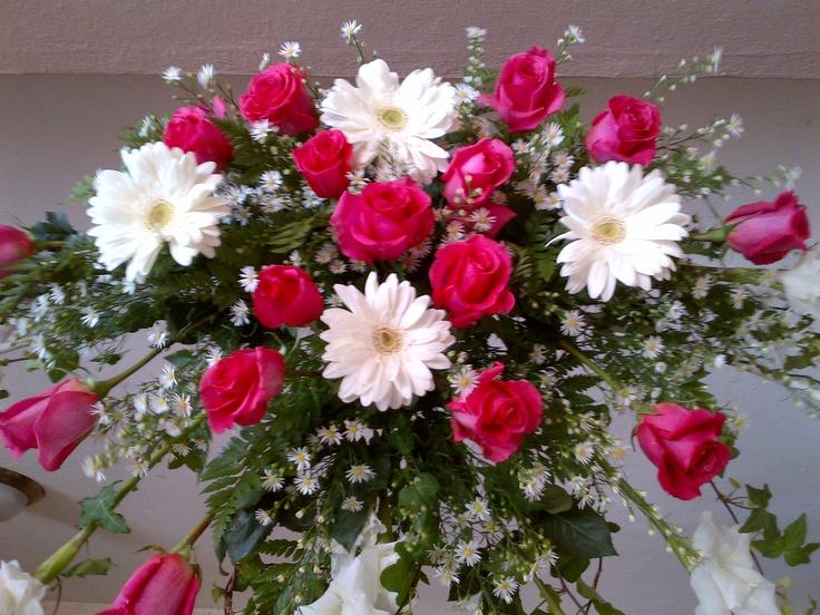 Areglo flores naturales rosas nacionales e importadas - Arreglo de flores naturales ...
