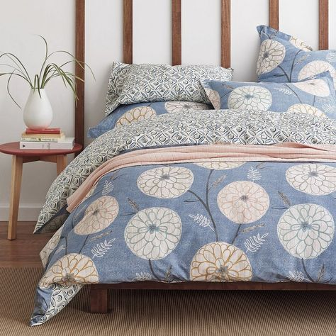 Lofthome By The Company Store®️️ Graham Reversible Duvet Cover - Grand-scale blooms and vines reverse to geometric pinwheels and dots on this versatile, reversible duvet cover.