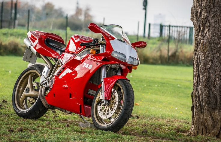Ducati 748, wish I'd still got mine..... : - (