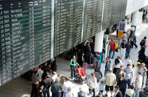#Flughafen #München -  Mehr #Passagiere und weniger #Flugzeuge...