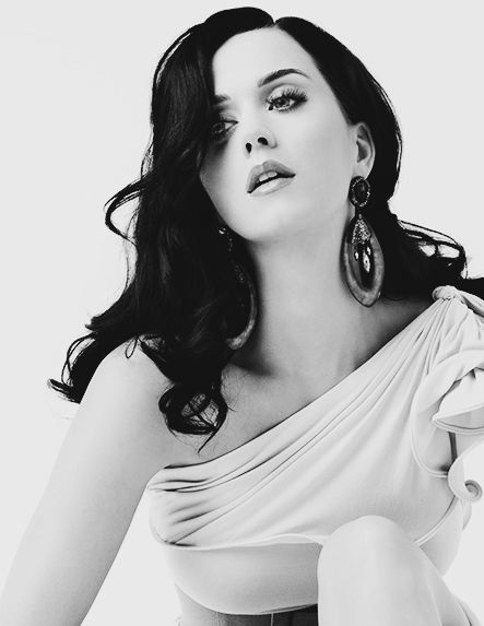 Katy Perry... For listening her songs  visit our Music Station http://music.stationdigital.com/  #katyperry