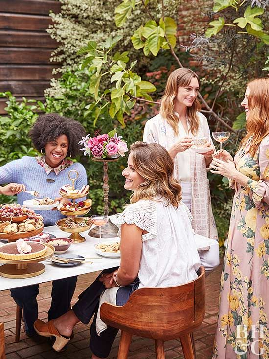 Hosting doesn't have to be stressful! Get our best tips for throwing the perfect party including must-have ideas for food, music, and drinks. Avoid these simple mistakes and you're sure to throw a party they'll remember. #party #partyhost #hostesswiththemostess