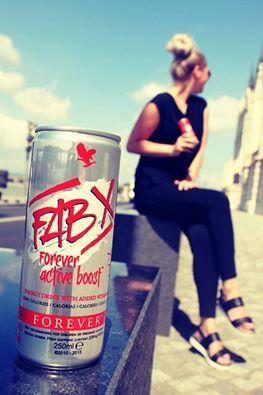 FAB X Forever Active Boost Cukormentes szénsavas energiaital édesítőszerrel, vitaminokkal, növényi kivonattal Egészséges energia aloéból és adaptogén gyógynövények, vitaminok szabadalmaztatott keverékéből, amely vitaminokat, aminosavakat és elektrolitokat tartalmaz, kalória, szénhidrát és cukor nélkül. Ragadd magadhoz az erőt, amelyet hosszútávon élvezhetsz! Engedd, hogy a FAB X segítsen elérni a minden napra kitűzött célokat!  #gabokakucko
