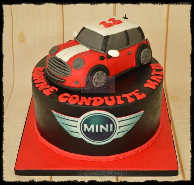 Mini Cooper - Cake by magiesucree                                                                                                                                                                                 Mehr