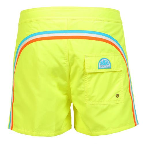 FLUO YELLOW MID-LENGTH SWIM SHORTS WITH RAINBOW BANDS Fluo yellow low rise polyester boardshorts with the three classic rainbow bands on the back. Fixed waist with adjustable drawsting and Velcro fly. Internal mesh a Velcro back pocket. Sundek logo on the back. COMPOSITION: 100% NYLON. Our model wears size 32 he is 189 cm tall and weighs 86 Kg.