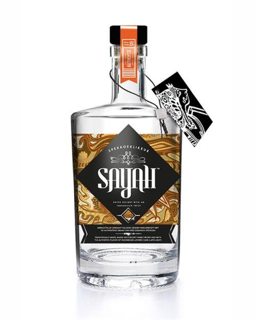 Sayah Spekkoeklikeur is trots op zijn herkomst en Indische identiteit. Dat wilden ze graag laten terugkomen in een nieuwe verpakking die wij voor hen ontworpen hebben. Onlangs verscheen deze opvallende fles in Misset Horeca.