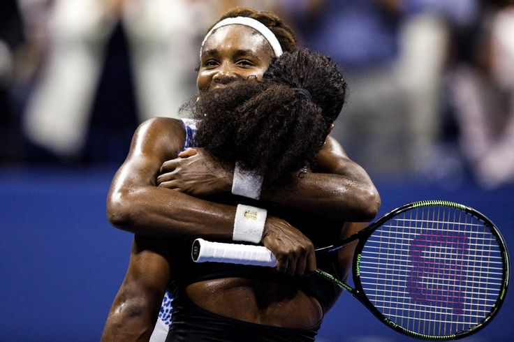 Serena Williams Holds Off Her Sister Venus, Continuing Bid for Grand Slam - The New York Times