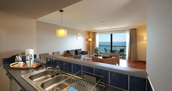 Hilton Noumea La Promenade Residences - 1 bedroom apartment kitchen area