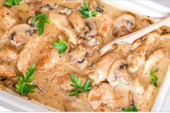 Бесподобно вкусная куриная грудка с грибами в сливочном соусе