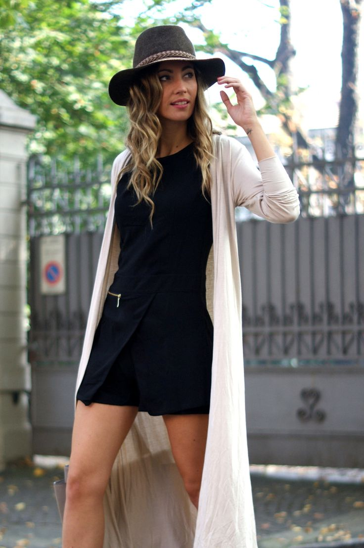 http://stylelovely.com/themidniteblues/2014/11/05/duster/ black, romper, playsuit, overall, jumpsuit, walg, the cityrack, duster, beige, hat, prada, bag, heels, vintage, blonde, model, fit, body, wiw, style, streetstyle, fashion, blog, blogger, moda, look, lookbook, trend, tendencia, estilo, barcelona, bologna, italy, spain, how to wear, ootd, outfit, inspiration, brand, californian highlights, hairdo, make up, mercedes maya