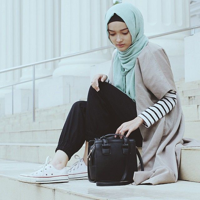 After strolling around Museum Satwa, Batu wearing outer by @_saeofficial.