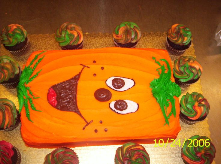 pumpkin sheet cake - Halloween Decorated Cakes