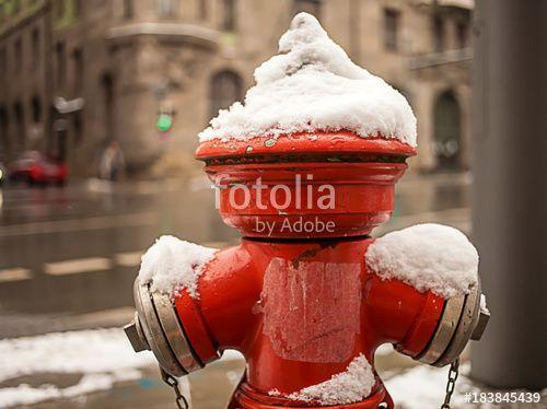 """Laden Sie das lizenzfreie Foto """"Feuerseule im Schnee"""" von Photocreatief zum günstigen Preis auf Fotolia.com herunter. Stöbern Sie in unserer Bilddatenbank und finden Sie schnell das perfekte Stockfoto für Ihr Marketing-Projekt!"""