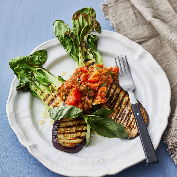 Grillade grönsaker med tomat- & basilikaröra