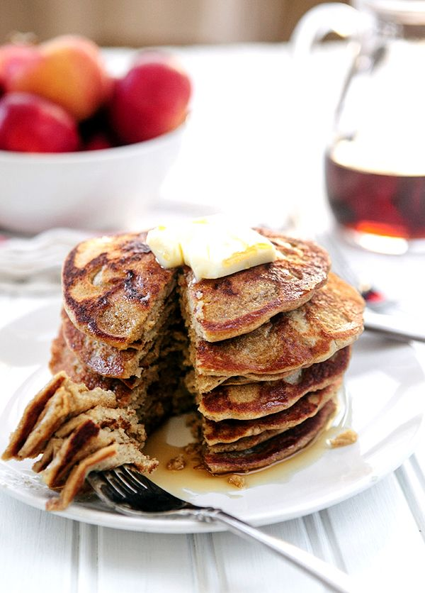 I love it when healthy tastes so good! These Steel Cut Oat Apple Blender Pancakes may be gluten free and dairy free, but they are delicious. Tasty apple oatmeal pancakes = clean eating at its best!  Did you know that you could use steel cut oats to make delicious pancakes without any flour? Neith