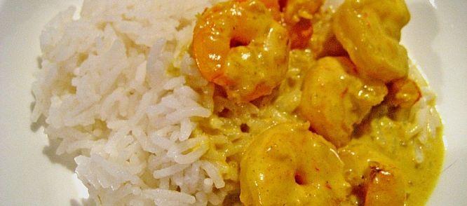 Mmmm. Snel klaar en heel erg lekker dit pittige Aziatische garnalenprutje. Eet het met basmati rijst en geef er partjes citroen bij.