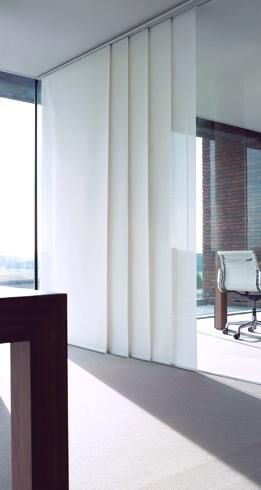 This blind is specially designed to both, cover large glass surfaces and to separate areas in multipurpose spaces. The diversity of textile finishes, transform any interior into a modern setting without sacrificing its most decorative features.