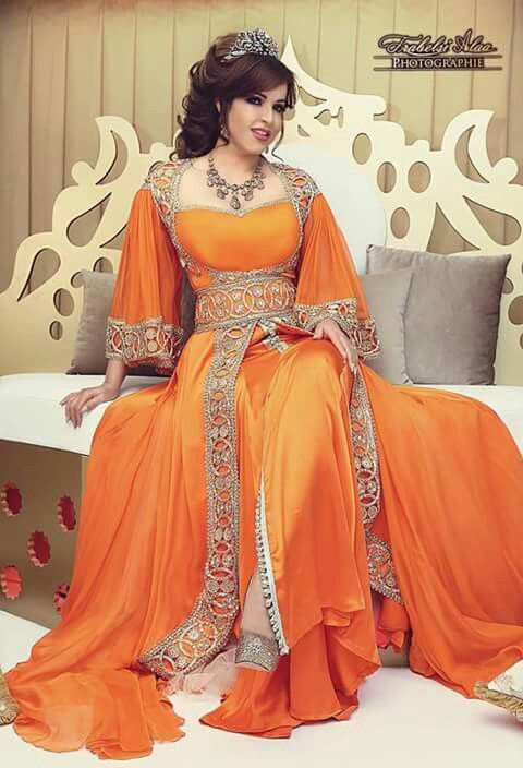 Tunisian caftan worn by tunisian singer amina fa5er in her for Pre worn wedding dresses