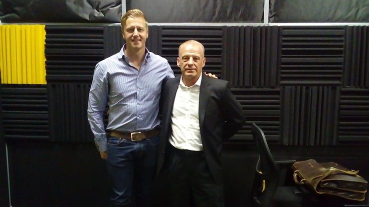 Gerrie Nel became a household name on the back of the Oscar Pistorius trial. Gareth chats to him about his thoughts on the Oscar case.