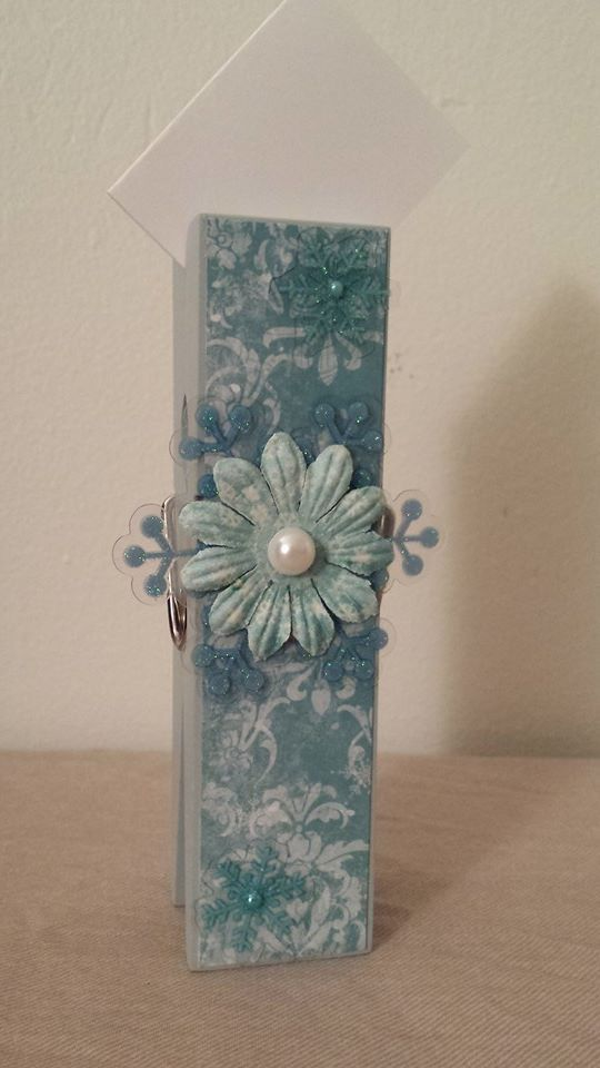 Blue Snowflake Extra Large Clothespin Photo/Note Holder