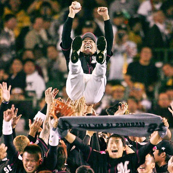 STR/AFP/Getty Images  Bobby Valentine led the Chiba Lotte Marines to a Japan Series title in 2005. Now, the team's fans are paying him back with their support.