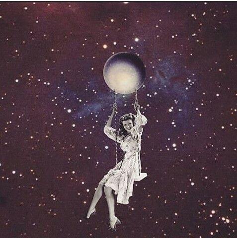 """"""" vos siempre estas en la luna..."""""""