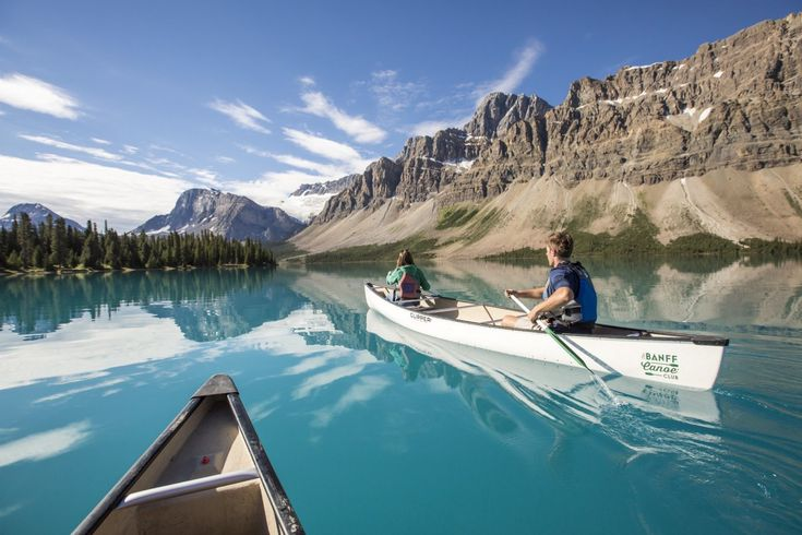 From canoeing on the Bow Lake to portaging on Hector Lake, here are the best spots for paddling in Banff National Park.